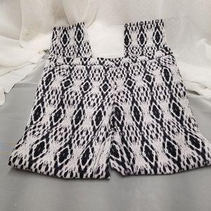 H&M Women's Black and White Pattern  Pants Sz 10
